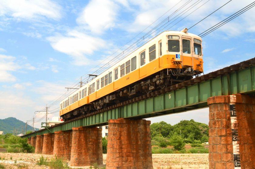 The 1080 series cars of the Kotoden Kotohira Line are former Keikyu 1000 series