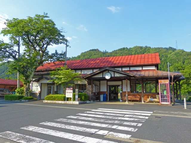 The wooden station building of Wakasa Station on the Wakasa Railway